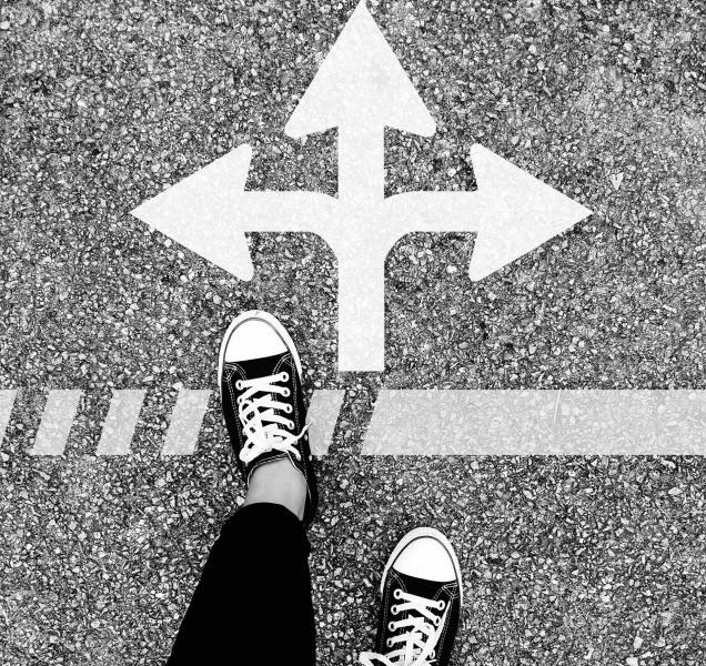 #144 | Futuros Possíveis: Saída: direita ou esquerda?