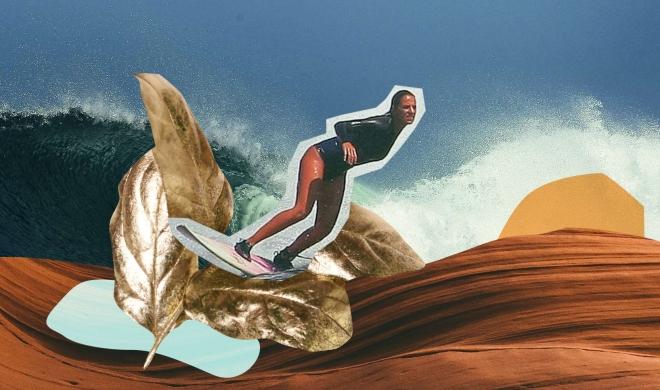 Uma surfista na multidão